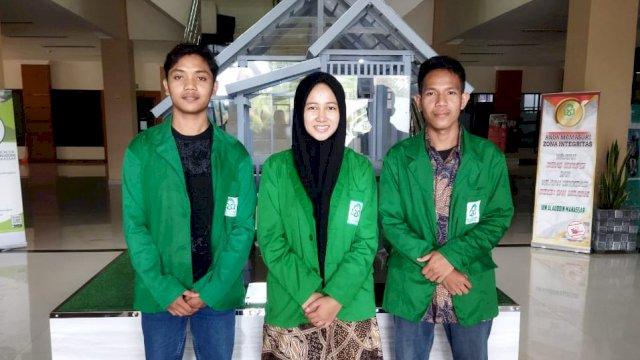 3 Mahasiswa UIN Alauddin Raih Juara II Debat Bahasa Arab di Poros Intim