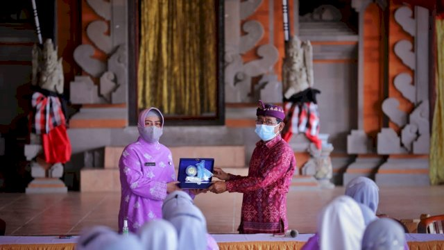 Ketua TP PKK Makassar, Kunjungi Desa Penglipuran, Desa Terbersih ke 3 Dunia
