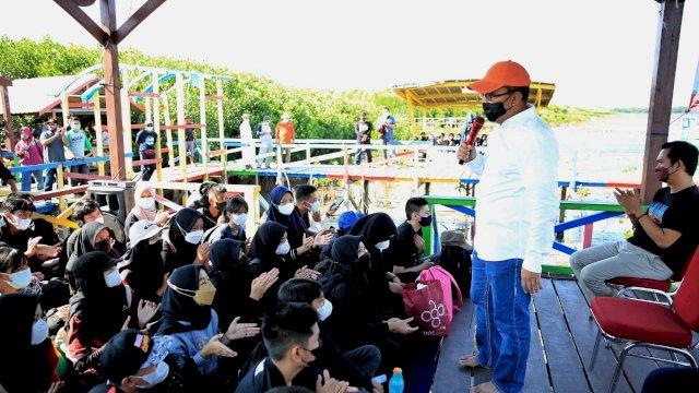Walkot Makassar Beri Materi Lingkungan Hidup Pada Simulasi Konsep Outing Class Mangrove di Lantebung