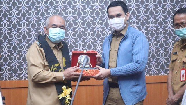Kunjungan Pemkab Majene diterima oleh Wakil Bupati Bantaeng.