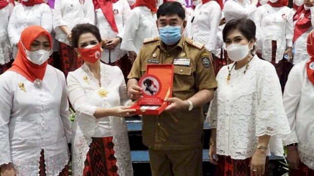 Abdul Hayat Lantik Dewan Pengurus Daerah Perempuan Indonesia Maju Provinsi Sulsel